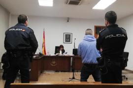 Piden tres años de cárcel a un preso de Palma por agredir a otro con una cuchilla