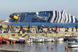 El 'Concordia' se desliza siete milímetros por hora y complica las labores de rescate