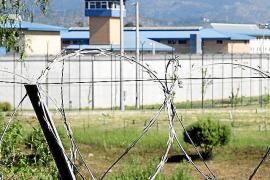Investigan una denuncia contra siete funcionarios de la cárcel por torturas