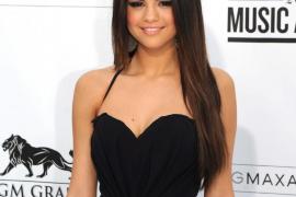 Selena Gomez dedica una canción  a su madre tras haber sufrido un aborto