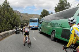 La Federación de Transportes amenaza con llevar al juez las restricciones de Formentor