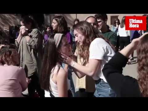 Miles de estudiantes se manifiestan en Palma por los derechos de la mujer