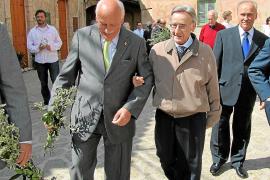 El alcalde de Valldemossa sopesa que sea el pueblo quien decida si retirar los honores a Bruno Morey