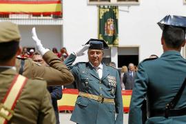 El Rey Felipe VI impone al coronel Jaume Barceló la encomienda al mérito civil