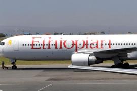 Se estrella un avión con 157 personas en Etiopía