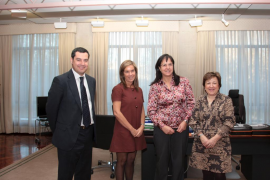 Castro explica a la ministra de Sanidad las medidas de Balears para reducir el déficit