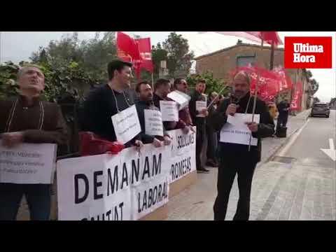 La Policía de Marratxí reivindica a las puertas del ayuntamiento mejoras laborales