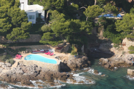 El GOB pide el derribo de la piscina de Ágatha Ruiz de la Prada en la Costa de los Pinos