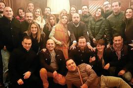 Reunión de antiguos alumnos del colegio Santa Magdalena Sofía de la promoción de 1992