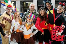 La Rua llena de color las calles de Palma