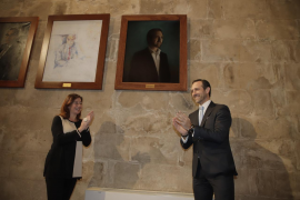 Armengol descubre el cuadro de José Ramón Bauzà en el Consolat de la Mar