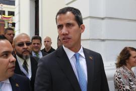 El Parlamento venezolano autoriza a Guaidó a decretar el «estado de alarma» por el apagón
