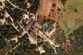 Denuncian actividades industriales en una finca situada en zona protegida de Santa Eugènia