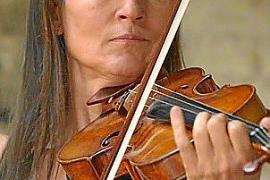 La violinista rusa Viktoria Mullova, junto a la Orquestra Simfónica en el Auditórium de Palma