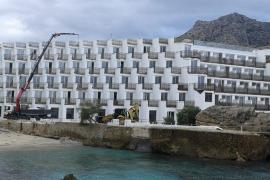 El Consell autoriza a que se retome la reforma del hotel Don Pedro de Cala Sant Vicenç