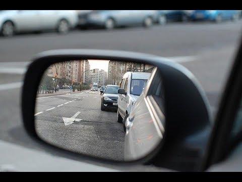 ¿Cuántos retrovisores son obligatorios en un coche?