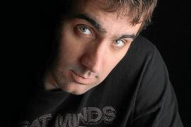 El escritor mallorquín David Navarro presenta su nueva novela en Ciutat