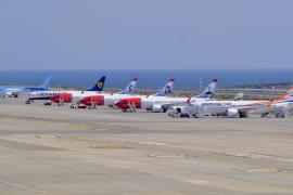 Boeing confía en el 737 Max pero apoya suspender los vuelos