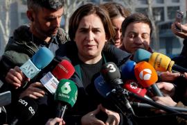 Ada Colau llama «secuestradores de niños», «fascistas» y «gentuza» al PP