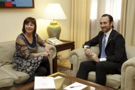 Bauzá hará cambiar la ley turística de Delgado pero no la que rebaja el catalán