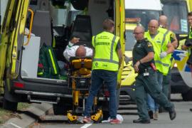 Al menos 49 muertos y cuatro detenidos tras dos tiroteos en mezquitas de Nueva Zelanda