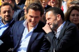Rivera: «No podemos echar a Sánchez para que venga otra vez el PP»