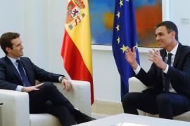 Casado acepta un debate a dos con Sánchez en Mediaset