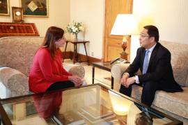China planea un triángulo entre Barcelona, Valencia y Palma para atraer turismo a Baleares