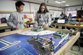 Jóvenes y expertos en robótica