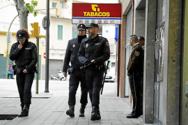 Tres años de cárcel por robar en pisos de Palma a los que accedía trepando