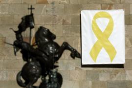 La Junta Electoral mantiene su ultimátum a Torra por los lazos amarillos