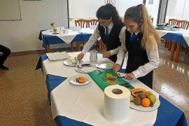 Hipermenaje promociona la formación en hostelería de los alumnos de Ibiza