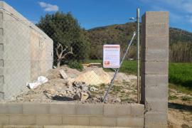 Paralizada una construcción en suelo protegido e inundable de sa Pobla
