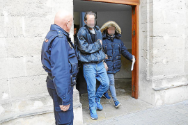 Prisión para un ladrón al que 'cazaron' en la cocina de una casa de Palma desayunando