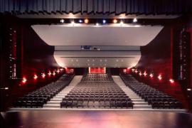La obra 'Fotuts i enganyats' en el Teatre d'Artà