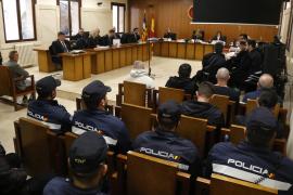 Despliegue policial en la Audiencia durante la vista previa al clan de Los Lobato