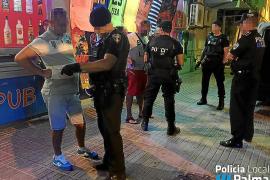 Un jurado juzgará a un policía local por quedarse dinero de los trileros de s'Arenal