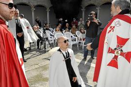 La Orden Templaria eleva a sus nuevos miembros en Pollença