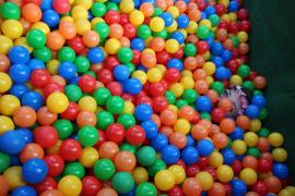 ¿Conoces los riesgos de las piscinas de bolas?