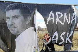 La plataforma de apoyo a Otegi pide su libertad frente a la cárcel de Logroño