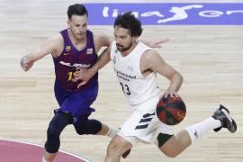 El Barça le toma la medida al Madrid y refuerza su liderato