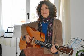 Arantxa Andreu discurre por sus sentimientos con su primer disco