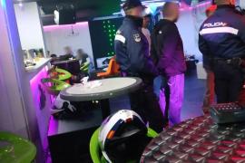Levantan 27 actas por drogas en dos zonas de ocio de Palma