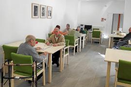El edificio del Hospici de Felanitx abre sus puertas a los primeros usuarios del centro de día
