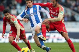 La Real sufre ante el Sporting, pese a dos goles en los primeros minutos