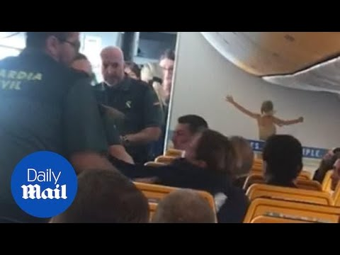 Una turista ebria, desalojada de un avión en Fuerteventura