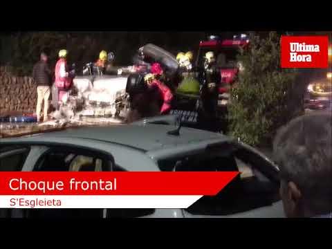 Tres heridos graves en una violenta colisión frontal en Palmanyola