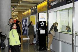 Spanair abre las puertas a los afectados por la suspensión de vuelos en Son Sant Joan