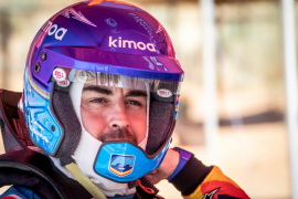 Fernando Alonso se acerca al Dakar