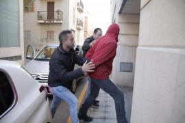 La Guardia Civil detiene al sospechoso del crimen de sa Pobla por un robo en una casa